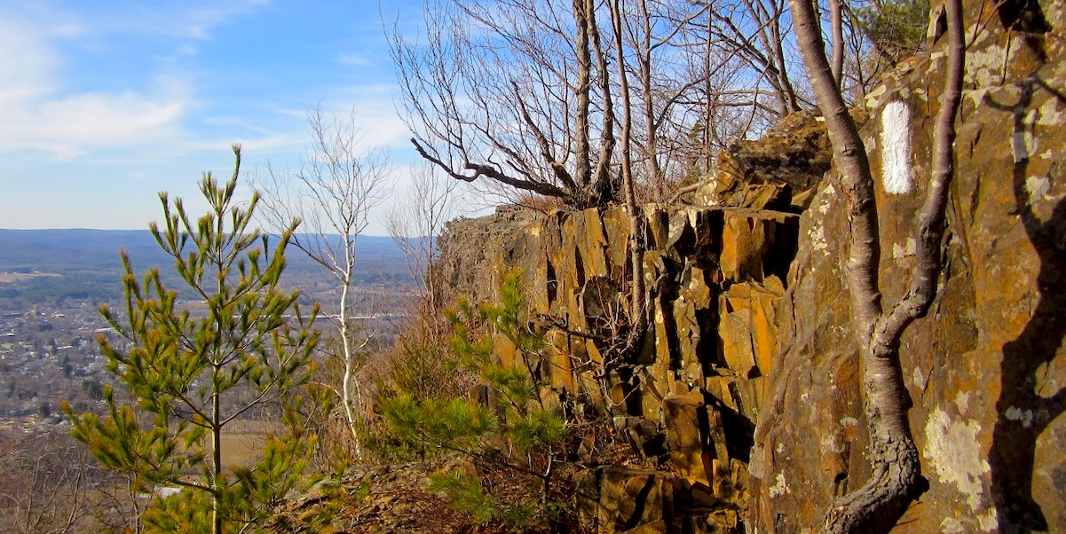 Mt Tom Rock Cliff